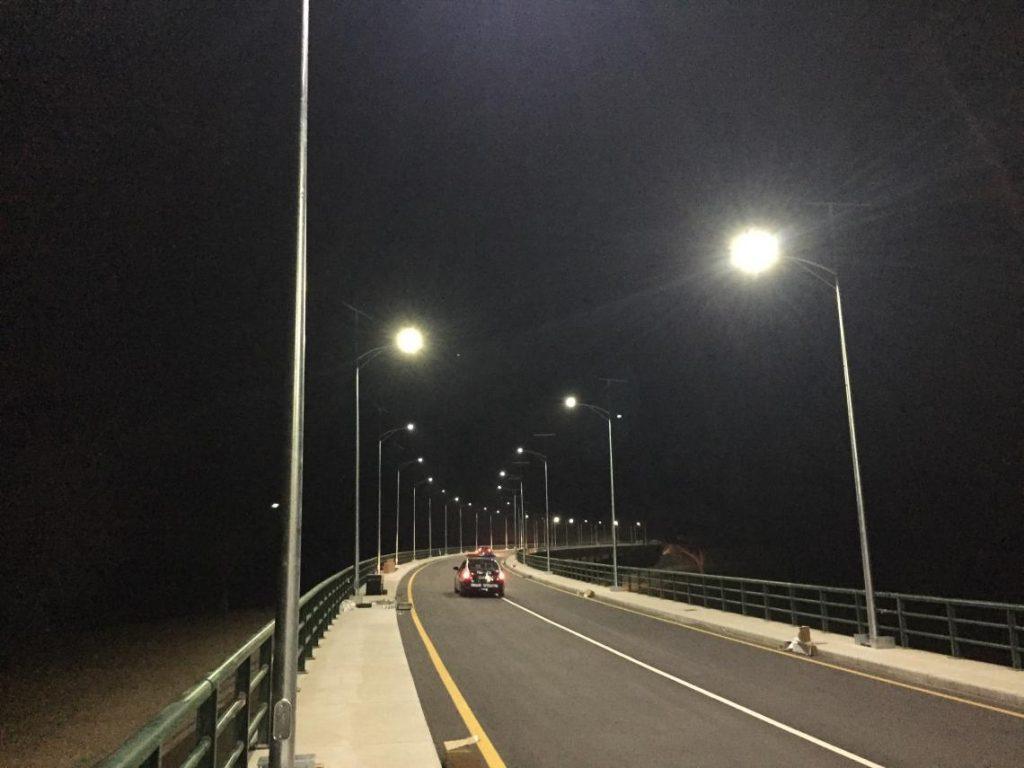 Iluminación de puente en Angola