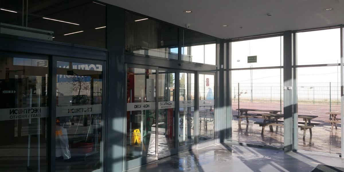 Renovación fachada Decathlon Getafe